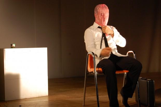 02/12/2012<br />Oltre<br />Il Grillo Pensante