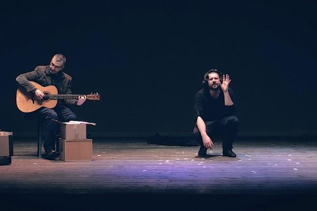 29/01/2022<br />Michele Vargiu<strong><br />DER BOXER</strong><br /><font color=#FF0000>teatro adulti</font>